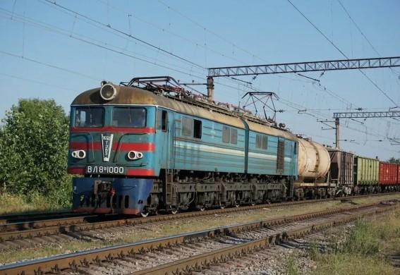 Под Запорожьем мужчину насмерть сбил поезд (фото)