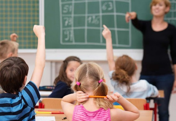 В Запорожье школьников отправили на досрочные каникулы
