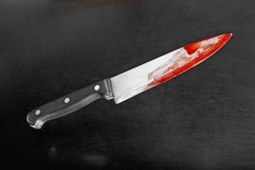 В Запорожье во время задержания полицейский получил ножевое ранение