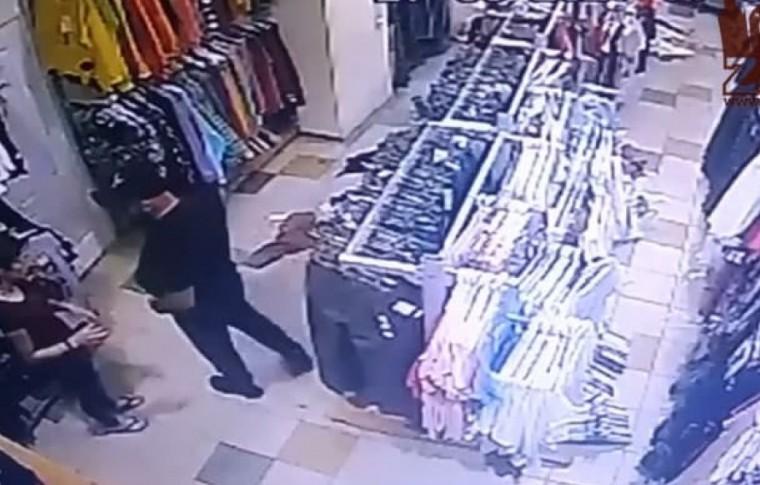 В Запорожье девушка, которую жестоко избил в магазине молодой человек, рассказала подробности происшествия (видео)