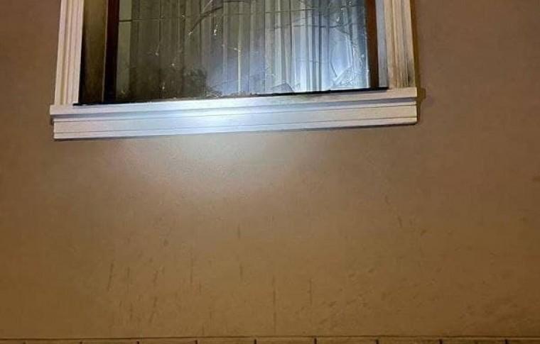 """В Запорожской области кинули """"коктейль молотова"""" в дом, где находились маленькие дети (ФОТО)"""