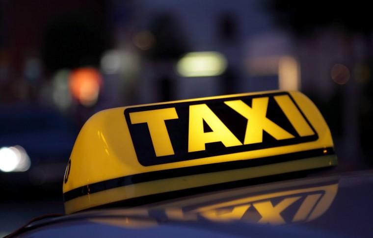 В Запорожье пассажир ограбил таксиста